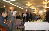 参加者全員による追悼の合唱