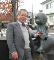 人気の鬼太郎と目玉おやじのブロンズ像