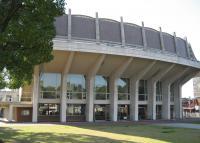 大ホールが使用停止になっている公会堂