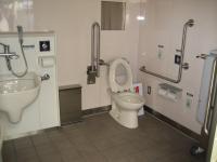 多機能トイレの内部